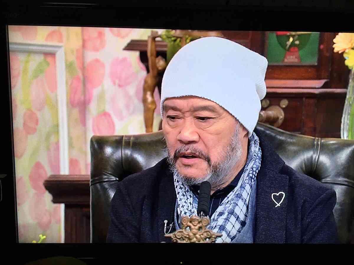 ニット帽をかぶった有名人の画像を集めるトピ