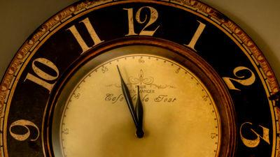 家の掛け時計を10分とか早めておく事ってどう思いますか?
