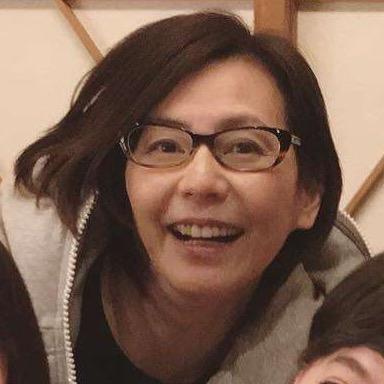 石田ゆり子に滝川クリステル…豪華すぎる女子会写真が話題に