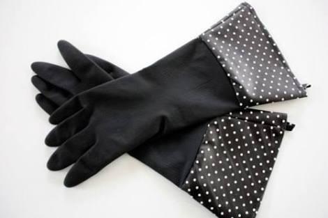 洗い物するときゴム手袋しますか?