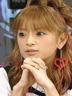 """板野友美が""""花嫁""""ショット ウエディングドレス姿に「破壊力が半端ない」"""
