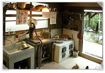 壁付きキッチン、対面キッチン、どっちがいいですか?