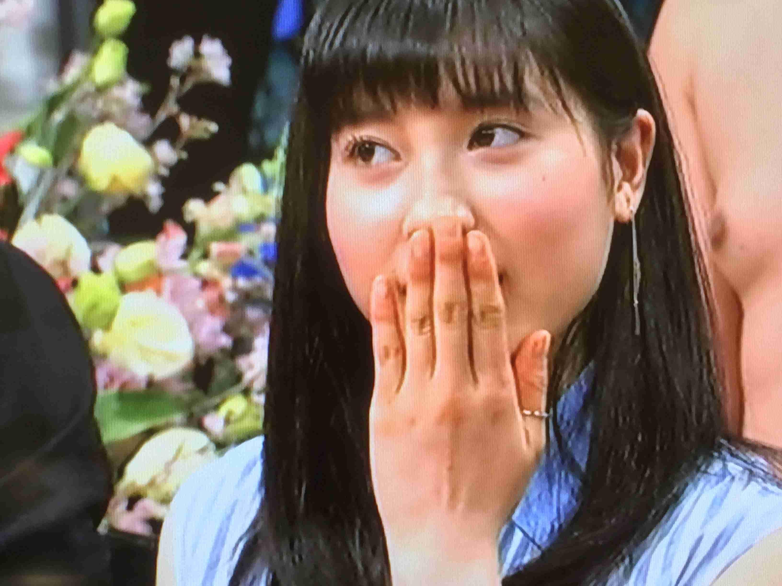 山崎賢人と美女の2ショットに「誰?」「付き合ってるの?」 「バッチリ撮られた」と意味深な一言も
