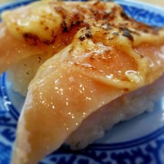 タモリ、寿司ネタはすべて炙りで食べ一般人から受けた苦言「炉端焼き屋に行けばいいのに」
