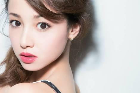 好きな女優さんの写真を貼ると、メイク方法を教えてもらえるトピ