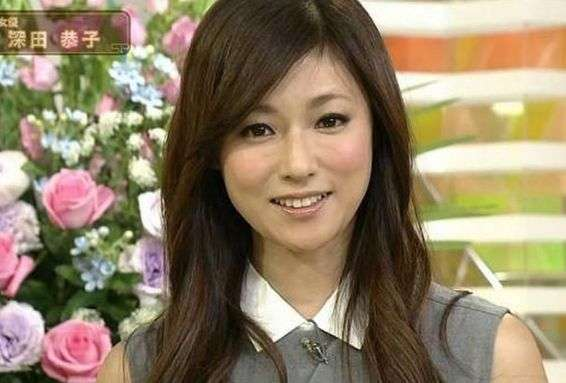 深田恭子、赤ちゃんとの可愛すぎる2ショットに反響「赤ちゃんに負けてない」