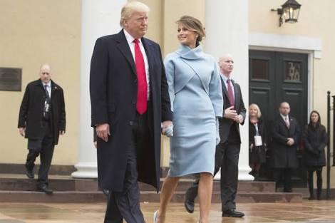 メラニア夫人、ファーストレディー初日の装いに称賛続々