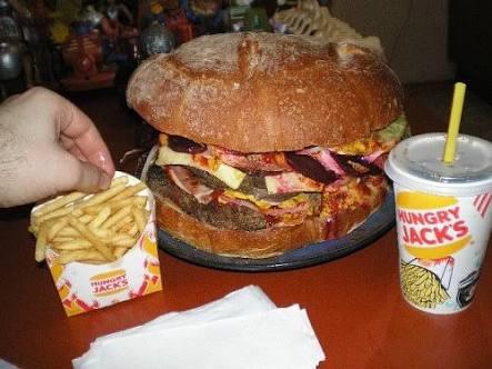少食な友達とご飯へ行って思いっきり食べれますか?