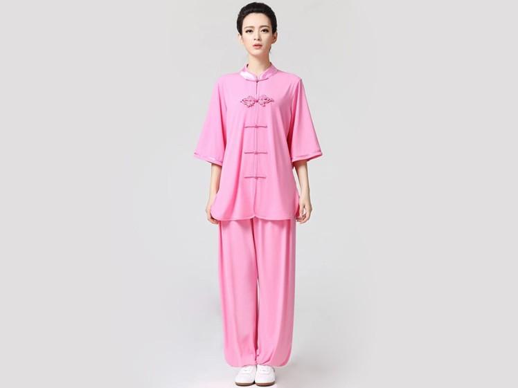 ピンクを着れる年齢はいつまで?