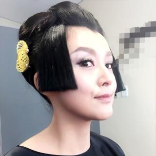 ショートヘアに髪飾り!!