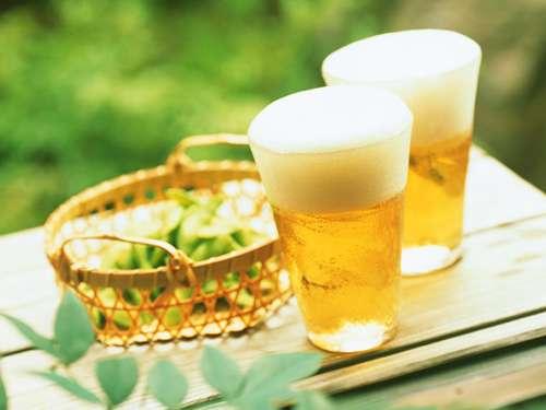 進む若者の酒離れ 20代男性の4割が「月に1回も飲まない」理由