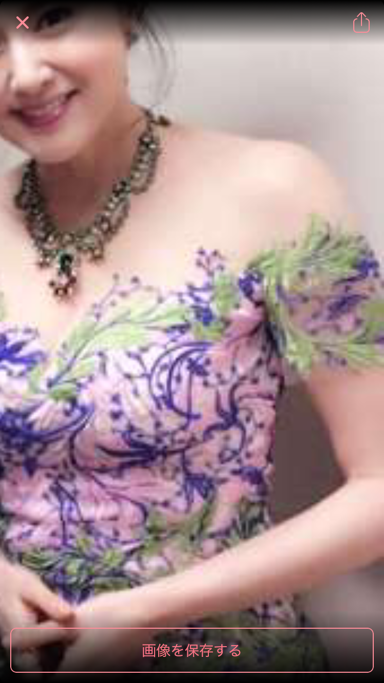 藤原紀香が連日の胸アピール!45歳とは思えない艶っぽい胸元に賞賛の声