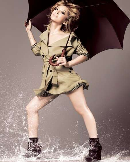 浜崎あゆみ、グラマラスな美Bodyラインくっきり写真を公開。「ムッチリ感が女らしくて」「くびれが」の声
