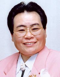 遠藤憲一&小島瑠璃子、顔交換した結果が衝撃すぎる!