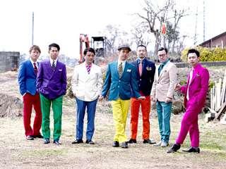 色んなバンドの衣装を貼ろう!