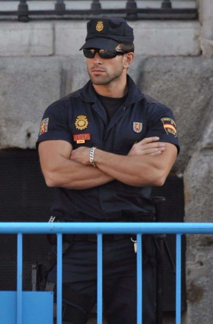 警察官に色気感じる人語りませんか