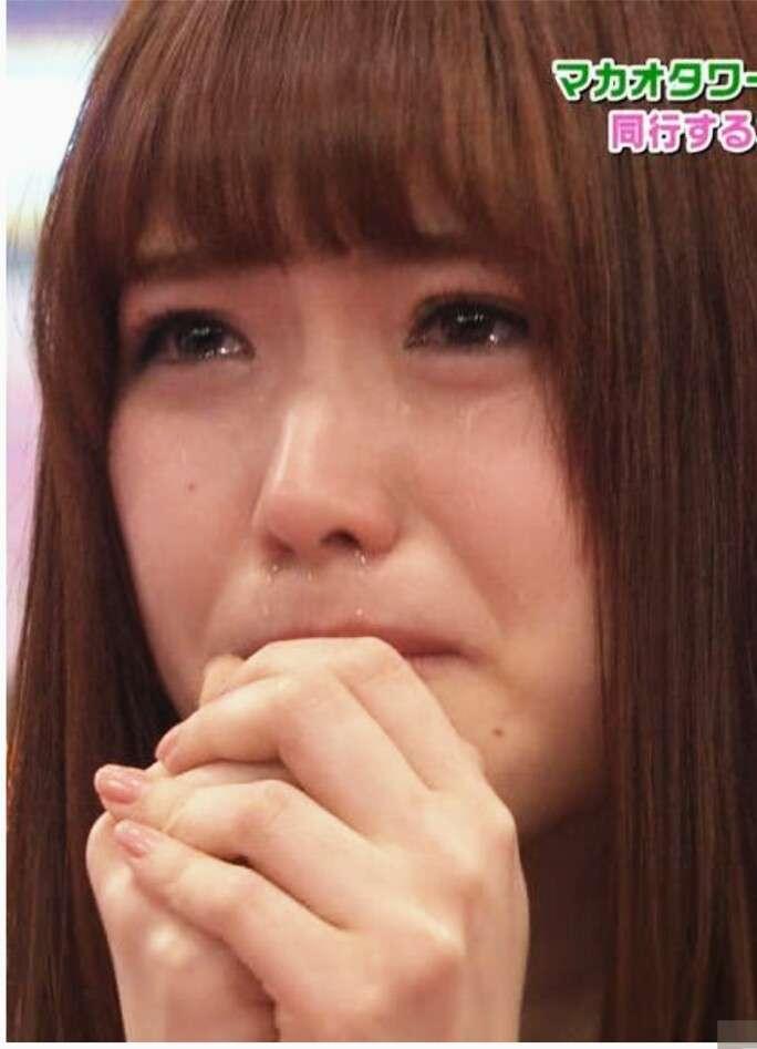 男性は「女の涙」に弱いの?女性に泣かれたときの男性心理とは