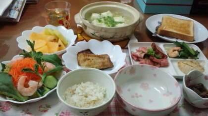 綾瀬はるか「朝ご飯が異常」、北川景子「一日9食」…スタイル抜群なのに