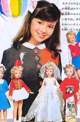 周りにお人形さんみたいな子いますか?