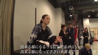 浜崎あゆみ、鍛え上げられた背中チラリ写真公開で「背筋が美しすぎる」「後ろ姿がアスリート並み」の声