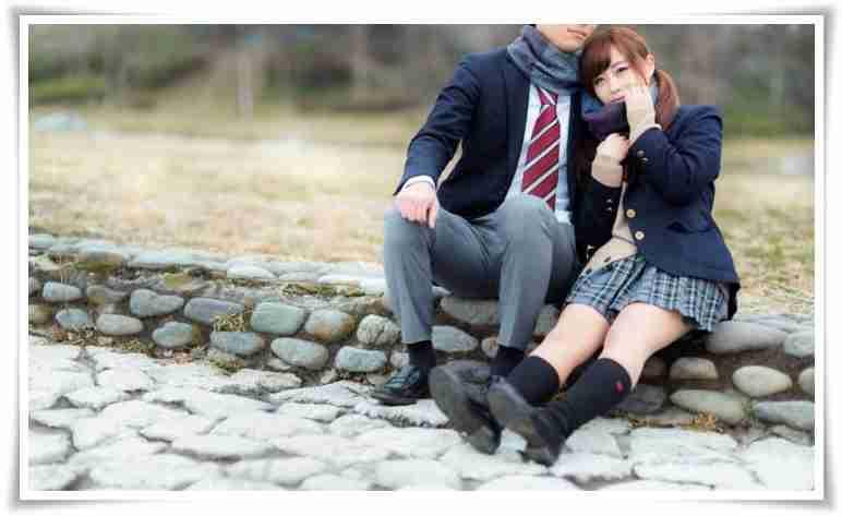 高校生で恋愛する事は普通ですか?