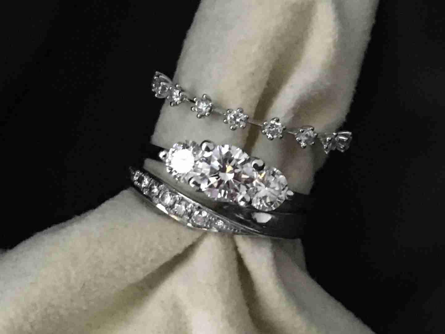 重ね付けの指輪が見たい。