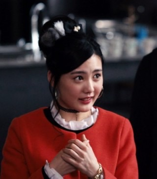 板野友美、野口五郎のコンサートにサプライズ出演 35歳差デュエット!