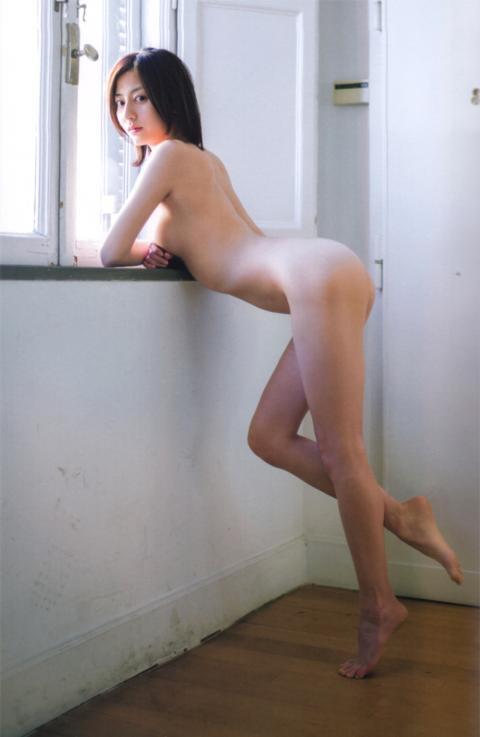 美背中な芸能人の画像を貼るトピ