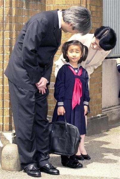 佳子さまのキャンパスライフについてICU学生「後輩にも