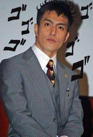 実写『ジョジョの奇妙な冒険』虹村兄弟のビジュアル解禁 岡田将生が金髪ロン毛に
