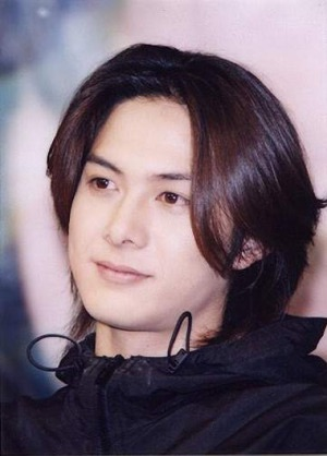 前髪の長い男性好きですか?