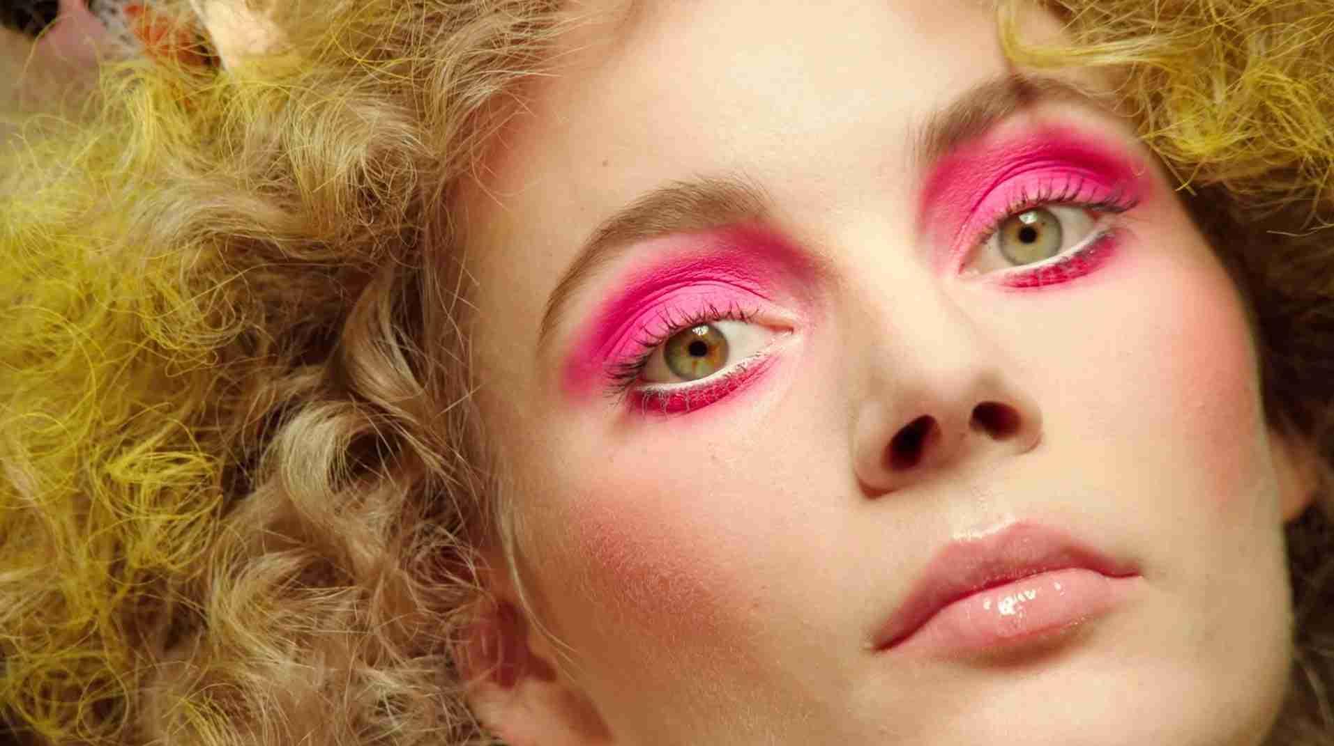 ピンクのアイシャドウを語りたい
