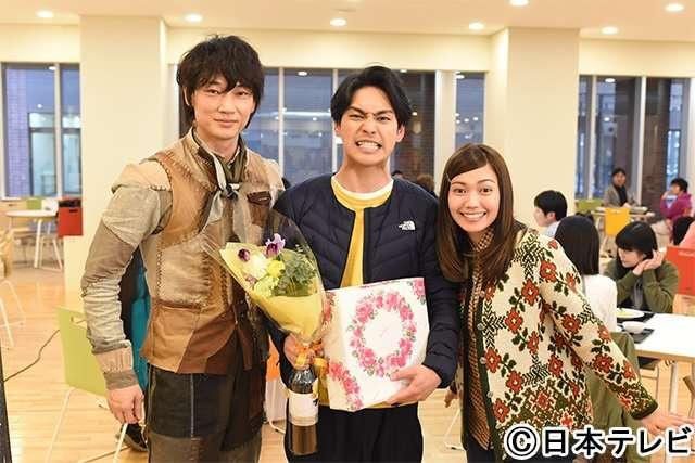 柳楽優弥が27歳に!綾野剛と二階堂ふみがお祝い