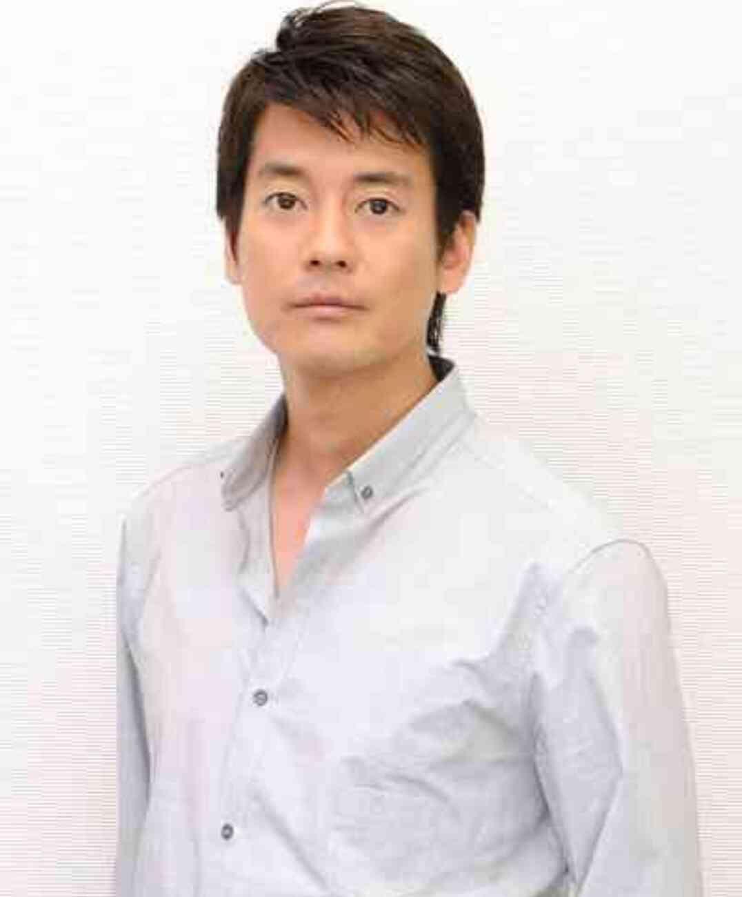 シャツが似合う男性【画像】