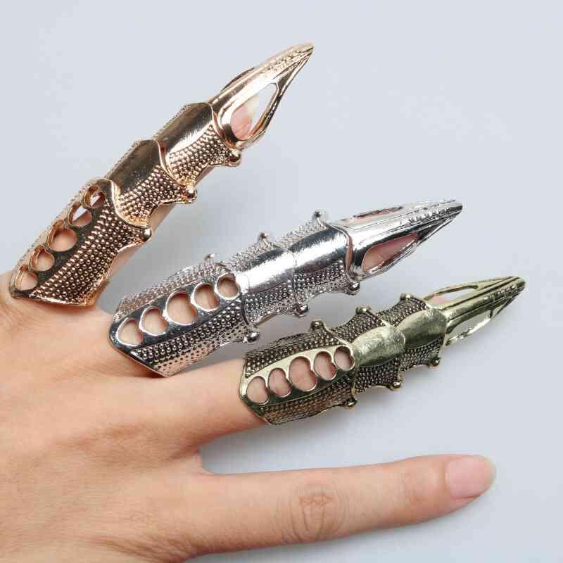 武器になりそうなファッションアイテム