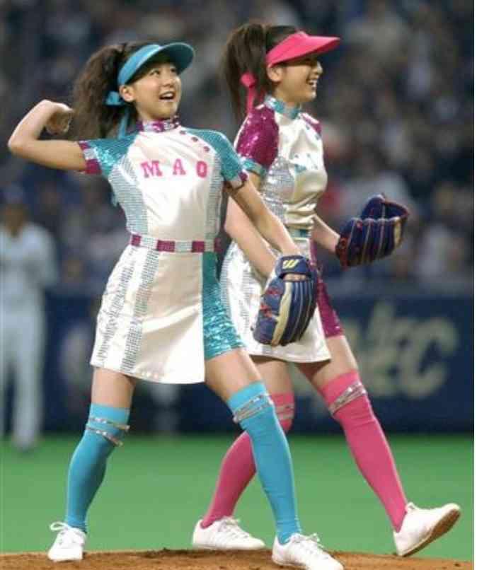 浅田舞 真央との姉妹確執を赤裸々に 母の愛情は真央に変わり「妹には会わないで」