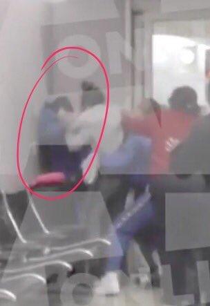 ワン・ダイレクション(1D)のメンバー、ルイ・トムリンソン逮捕=撮影めぐり空港でけんか―米
