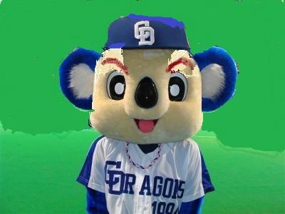 ドアラ「たべられた」日替わりで悲惨な目に合うプロ野球開幕カウントダウン広告がシュール