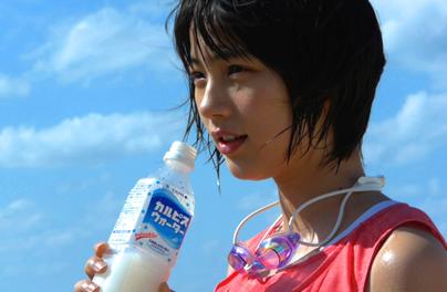 """桐谷美玲が男前な""""ショートカット""""を披露「弟に似てました」"""