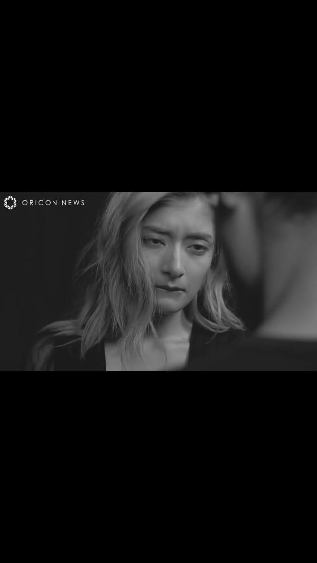 ローラ&ブルゾンちえみ with Bが奇跡のコラボ「世の男はどっちが好みかしら?」