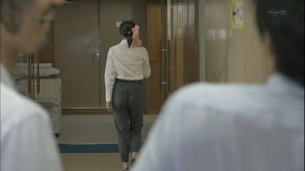 なぜその衣装を選んだ?広瀬アリス、肩出しドレスでガッチリボディがバレた!