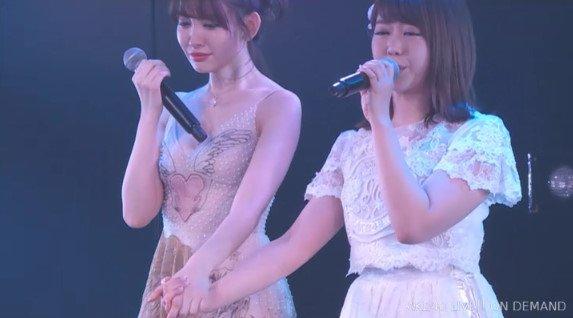 AKB48小嶋陽菜が卒業公演 OG高橋みなみら90人が祝福
