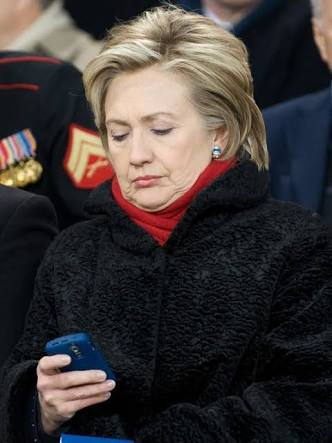 仕事中に携帯電話ってアリ?