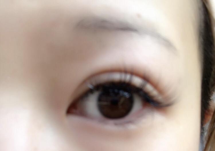 三白眼の方〜