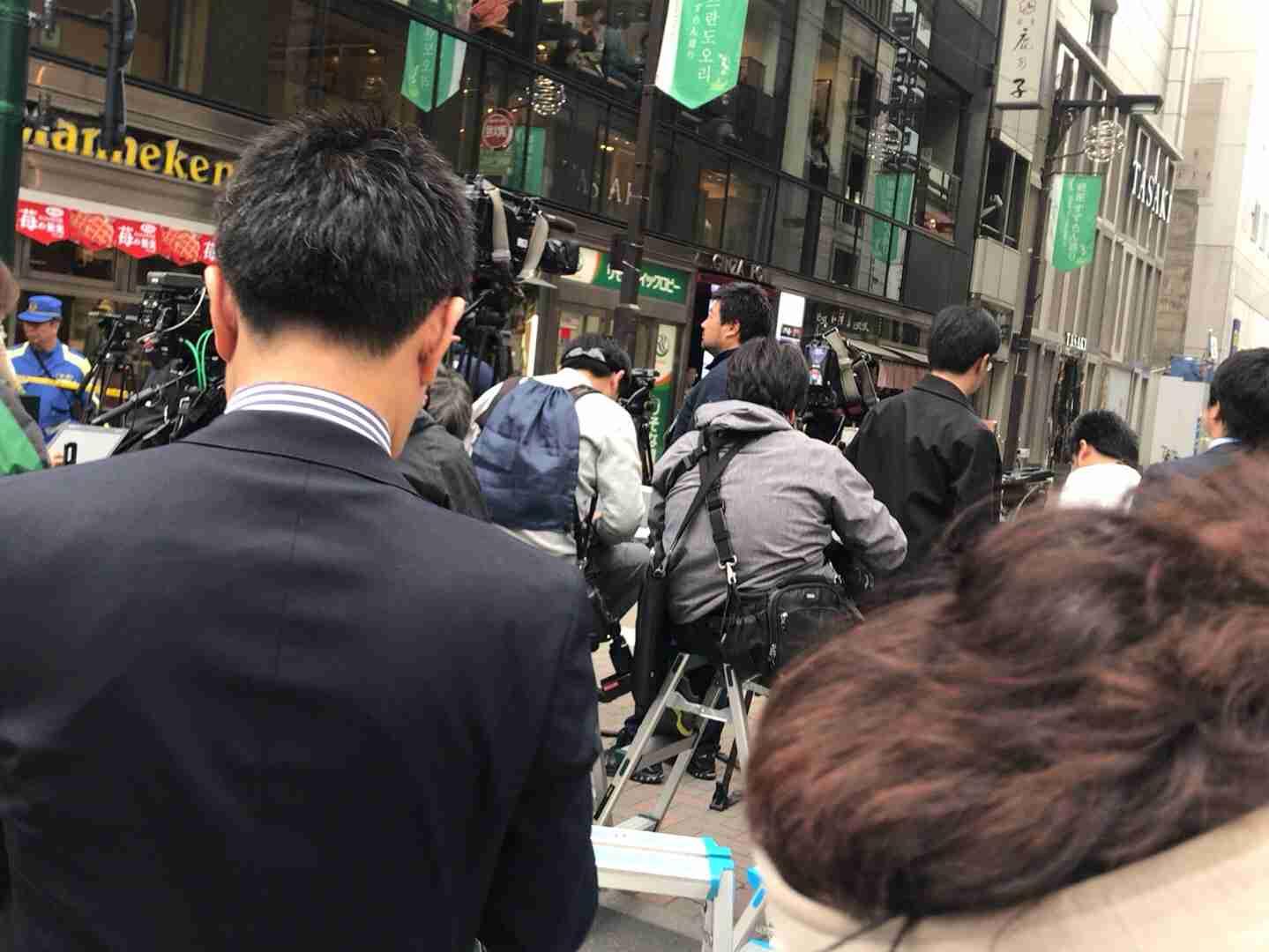 銀座5丁目で数千万円奪われる バイクで男が逃走