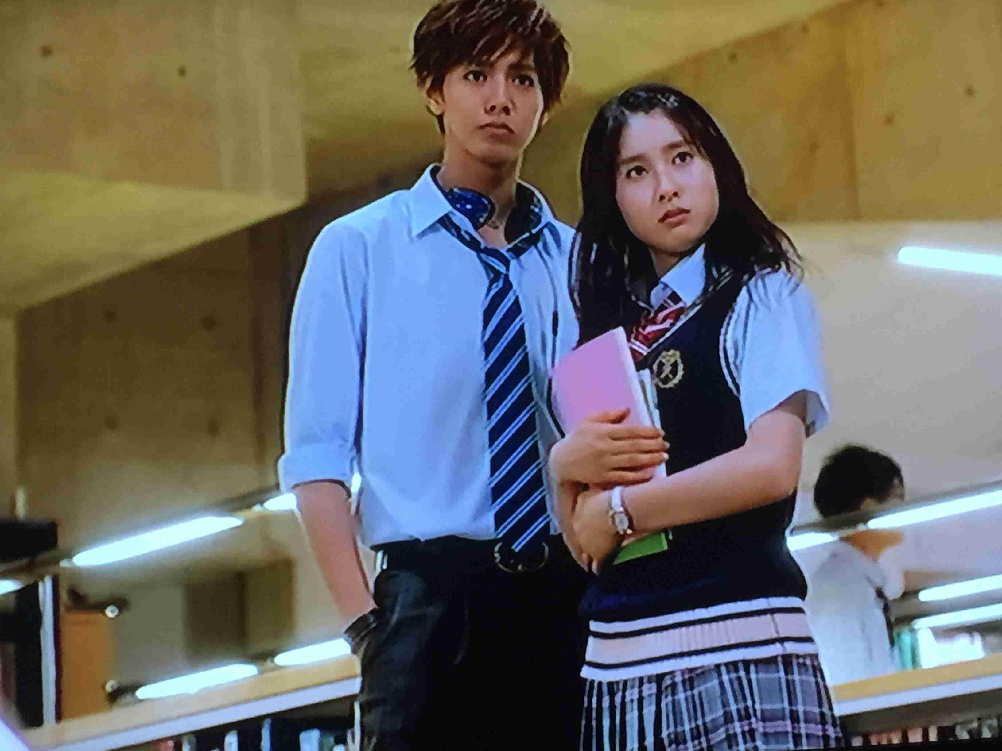 映画『兄に愛されすぎて困ってます』第5のイケメン(?)NON STYLE井上裕介が参戦 土屋太鳳をお姫様抱っこ