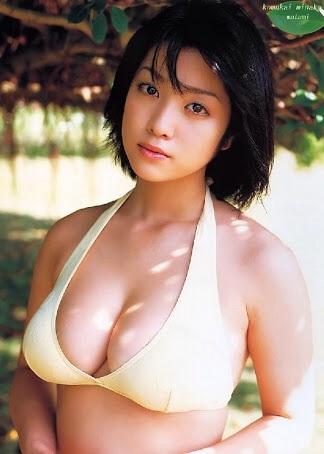 小向美奈子 久々公の場、顔も体もふっくら