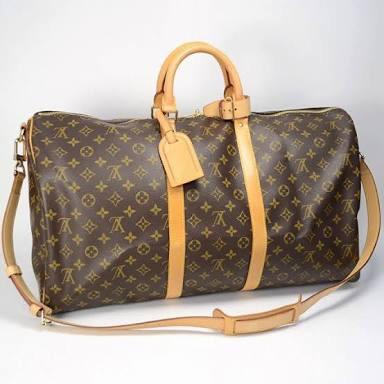 使用している旅行バッグを教えてください
