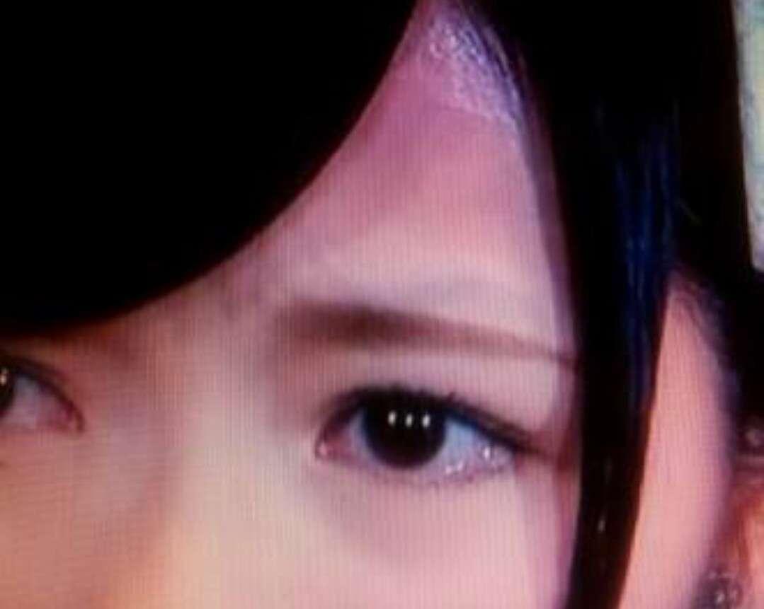 眉毛の流行って気にしますか?