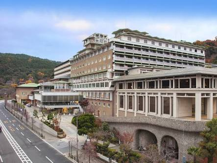 都ホテル京都にイノシシ 従業員かまれ軽傷